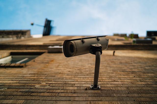 屋外の防犯カメラを選ぶ3つのポイントと設置するときの注意点まとめ