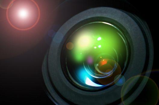 暗闇でも撮れる防犯カメラは2種類!車のナンバーや人相まで映す方法