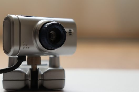 屋内を監視!ネットワークカメラを自作・ワイヤレスの欠点